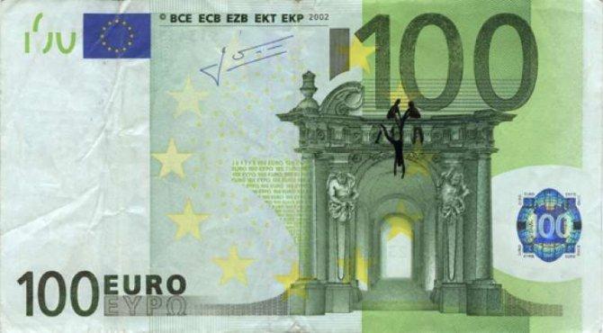 banconote euro protesta grecia 22