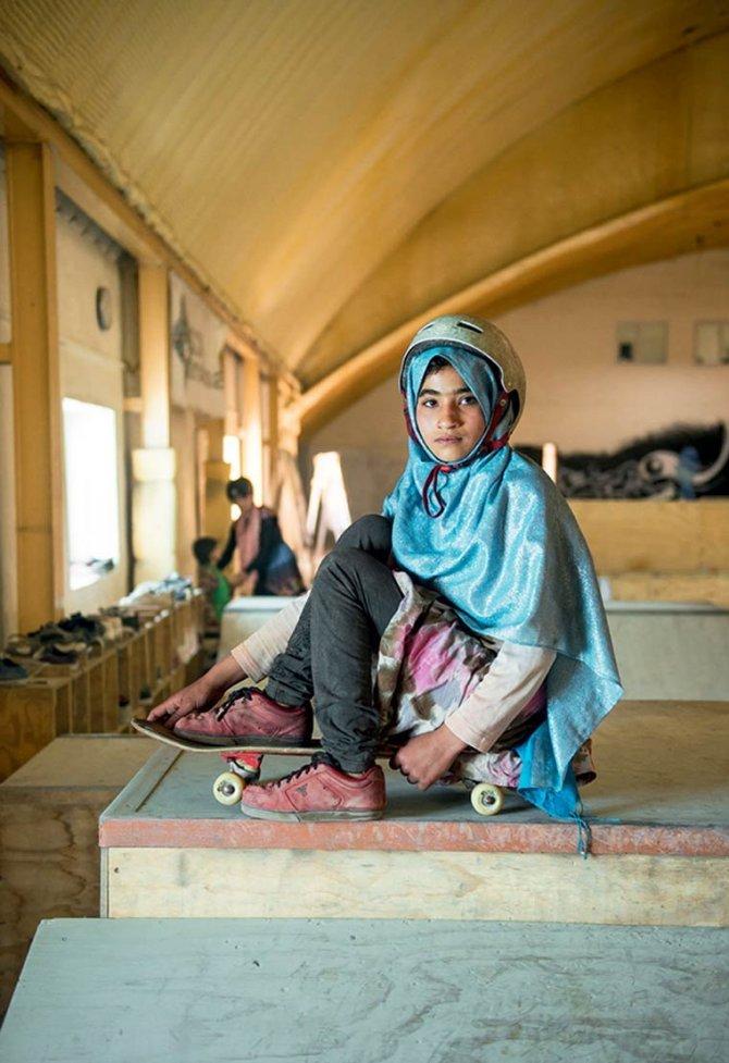 Skate Girls of Kabul Jessica Fulford Dobson 2