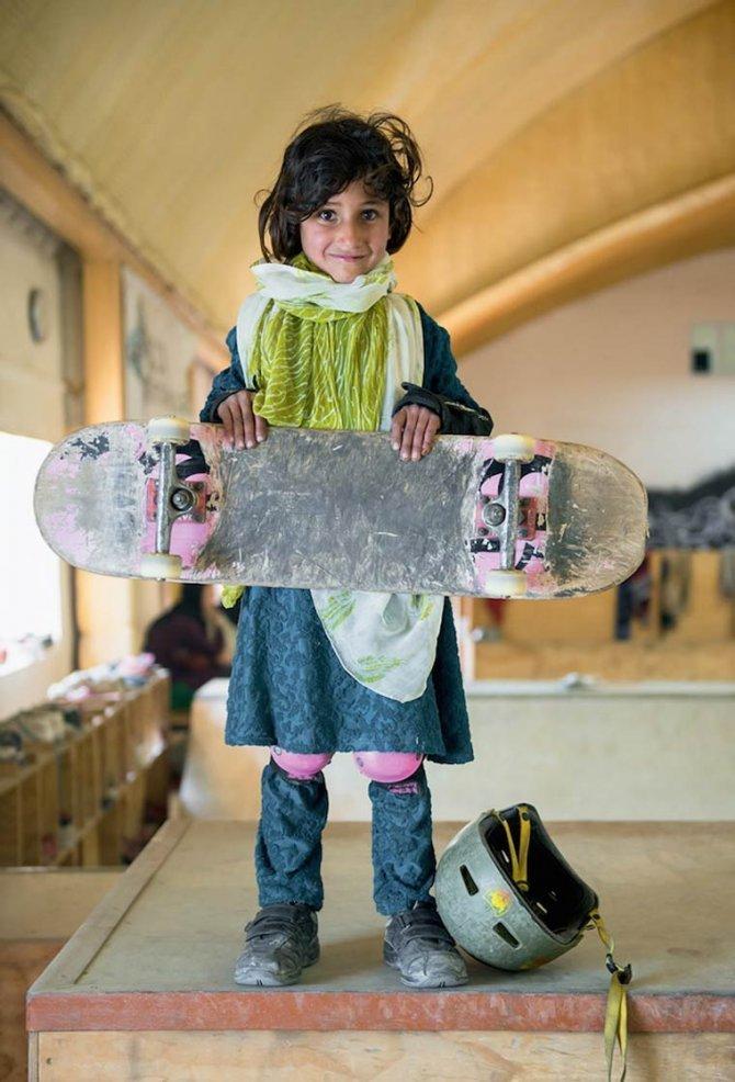 Skate Girls of Kabul Jessica Fulford Dobson 5