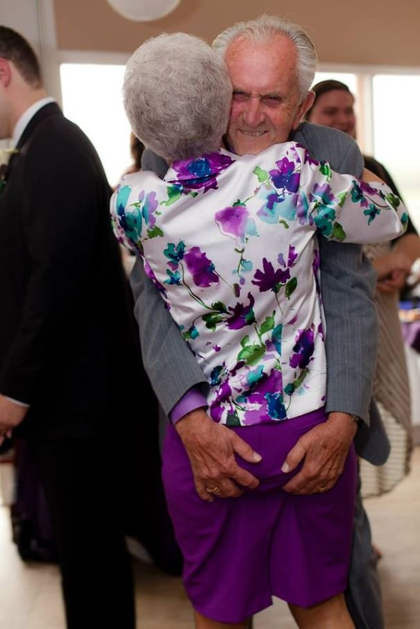 old couples having fun 2 605