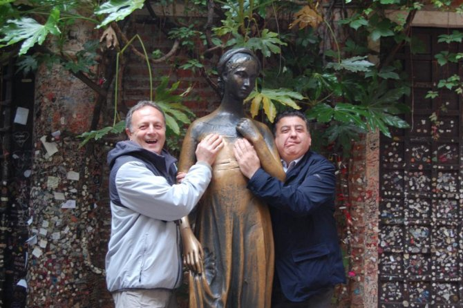 15_Verona la statua di Giulietta