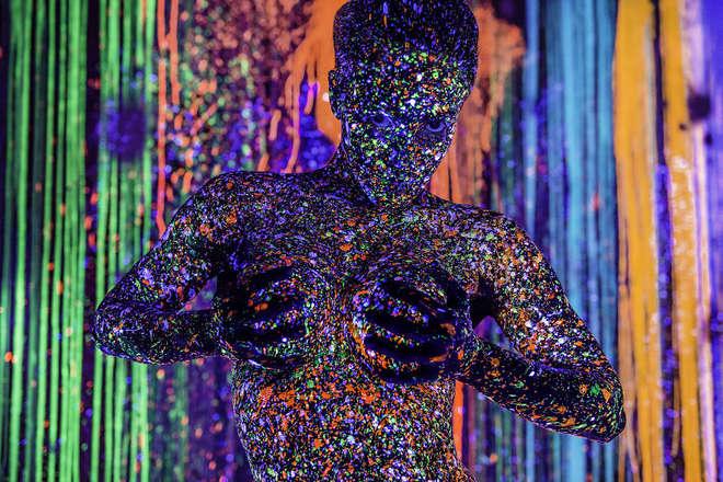 body-art-couleurs-fluo-2-L.jpg