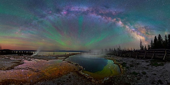 colorful milky way photographs yellowstone park 2