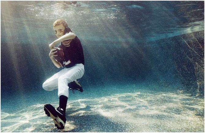 kids-underwater-sport-photographer-alix-martinez_0110__880