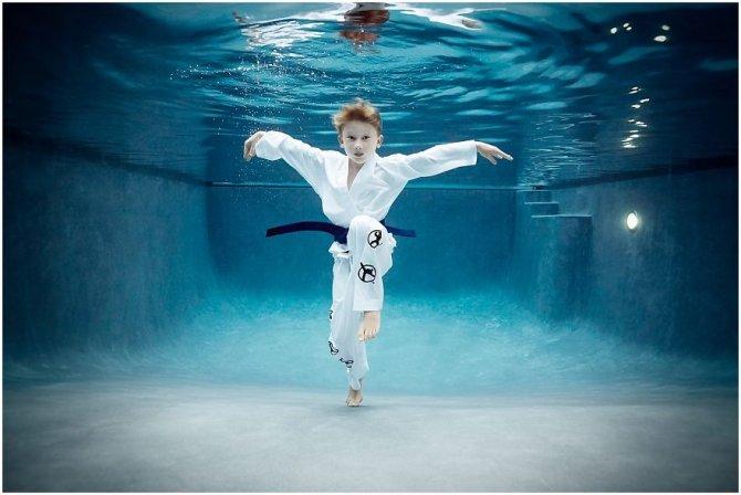 kids-underwater-sport-photographer-alix-martinez_0115__880