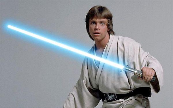 LukeSkywalkerLightsaber2
