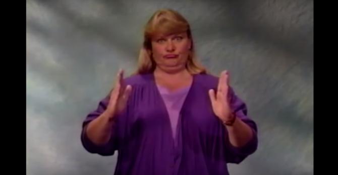 """Nella lingua dei segni probabilmente significa """"Transustanziazione"""""""