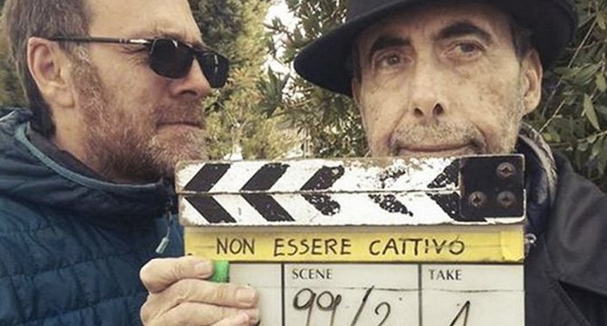 Valerio Mastandrea e Claudio Caligari sul set di Non essere cattivo