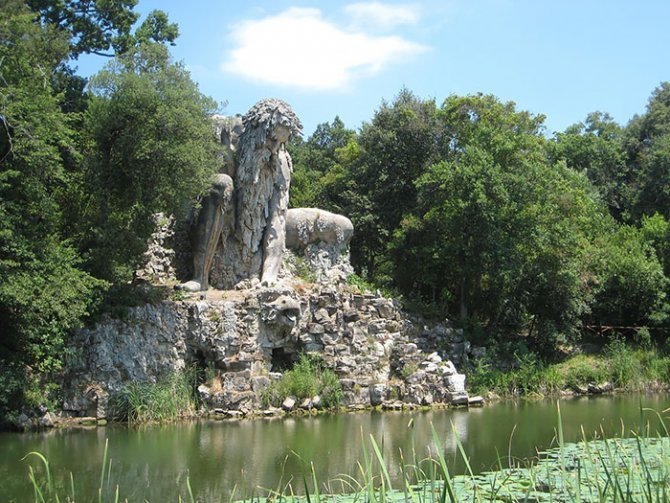colosso dell appennino sculpture florence italy 4
