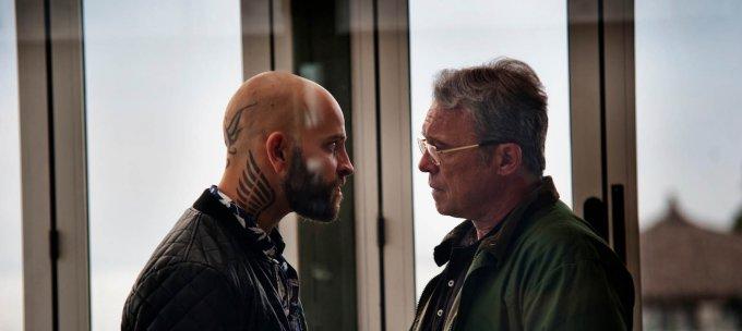 Alessandro Borghi e Claudio Amendola in una scena di Suburra