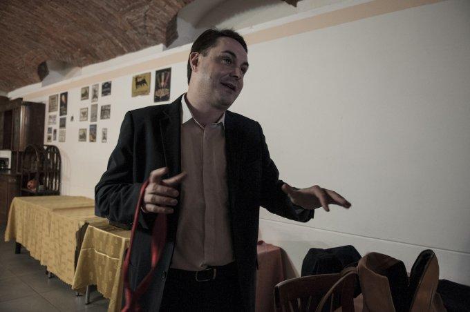 Andrea Diprè senza cravatta - foto: Gabriele Ferraresi