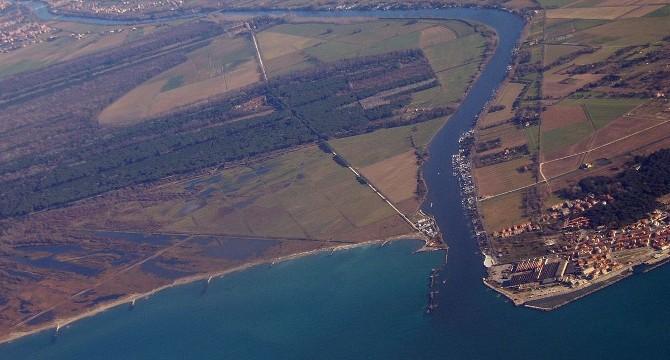 La foce del fiume Arno