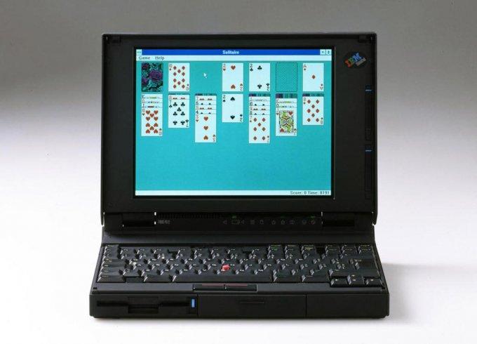 Sapper nel 1992 disegna il futuro dei laptop.
