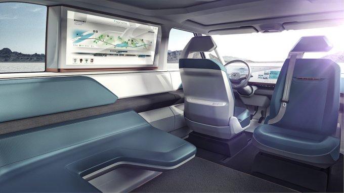 Gli interni del Volkswagen BUDD-e concept.