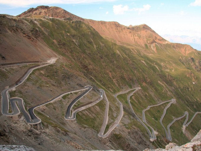 stelvio-pass-which-once-formed-the-boundary-between-italy-and-the-austro-hungarian-empire-snakes-9000-feet-uphill-into-the-alpine-mountain-range