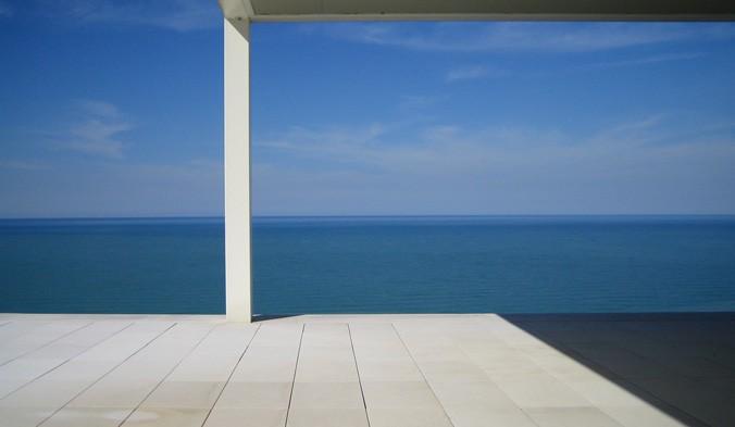 La casa che guarda il mare di Lucio Rosato