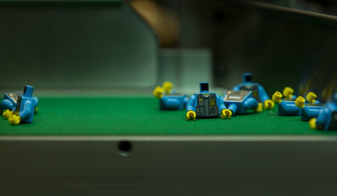 Una catena di montaggio di Lego