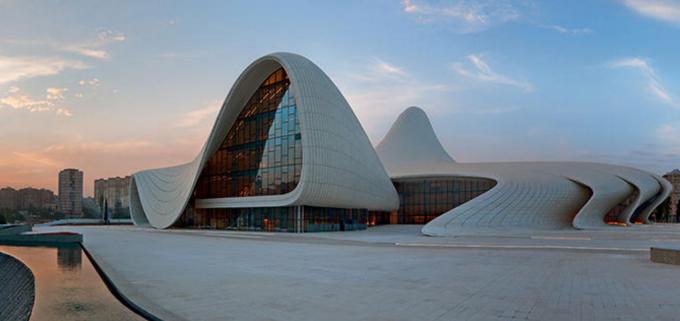 Heydar Aliyev Center di Baku