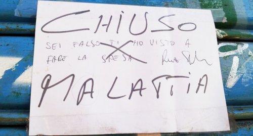 cartelli strani