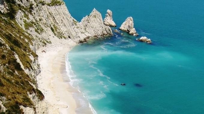 2259721-due_sorelle spiagge libere più belle d'Italia
