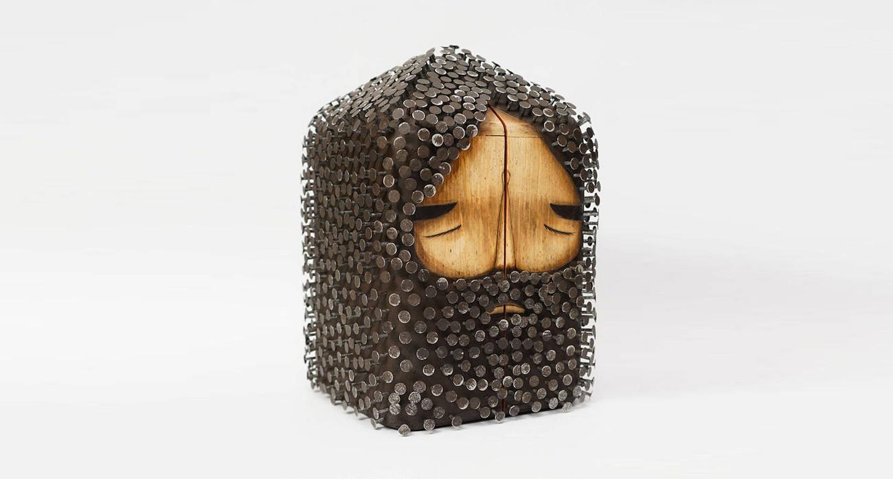 sculture in legno e chiodi