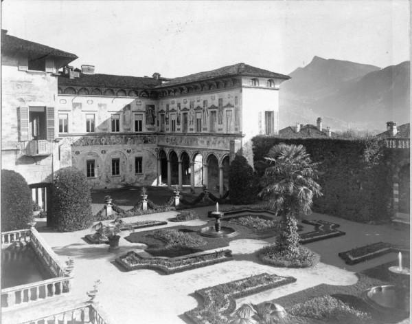 A un'ora da Milano c'è una villa da sogno con un giardino che indimenticabile