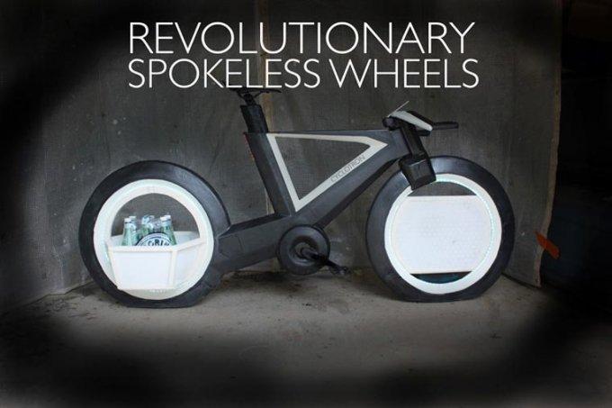Le sue ruote non hanno raggi