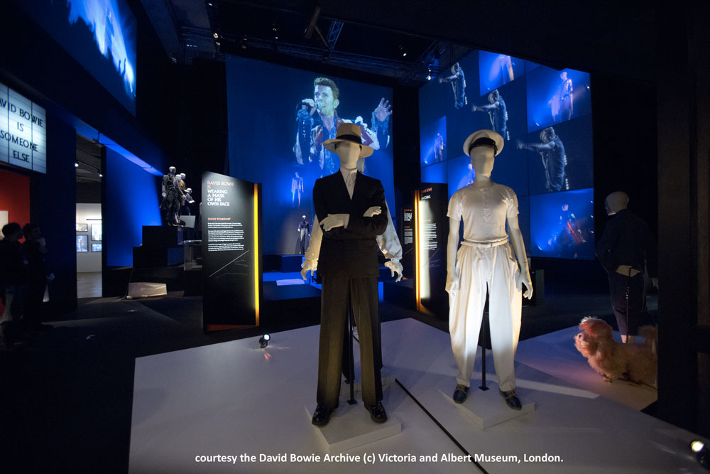 Installation-Shot-of-David-Bowie-is-courtesy-David-Bowie-Archive-(c)Victoria-and-Albert-Museum,London(8)