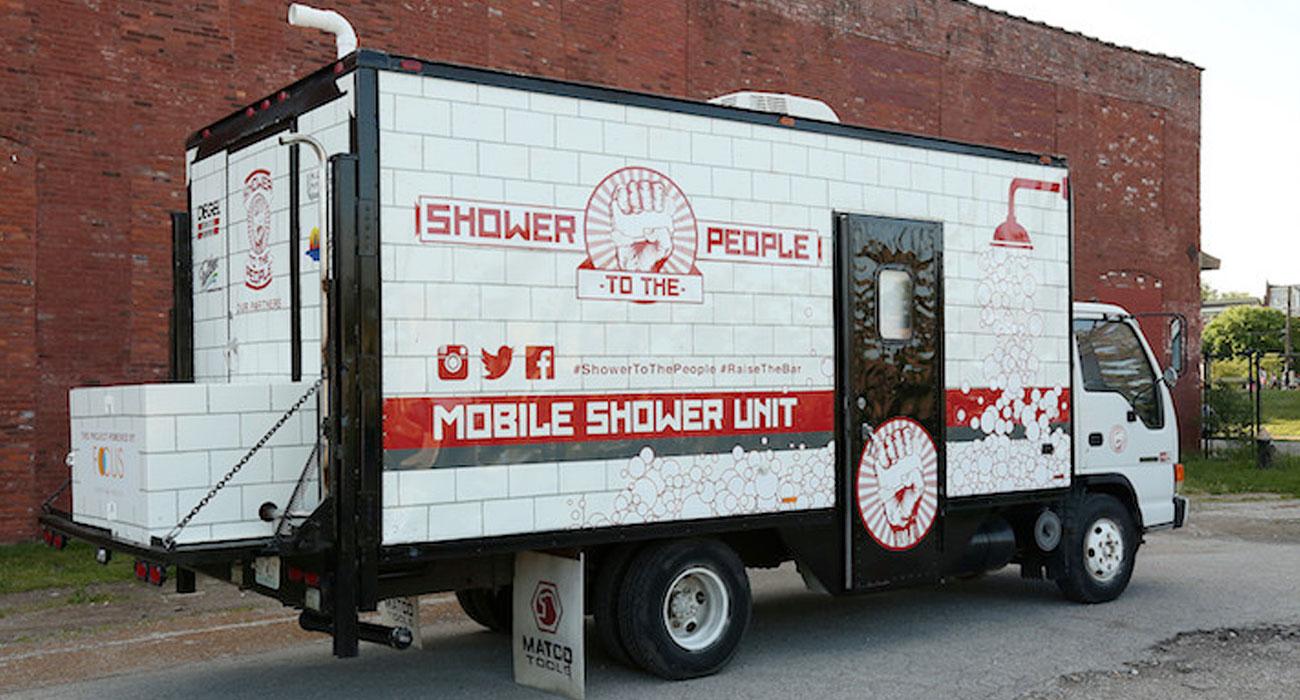 camion doccia senzatetto