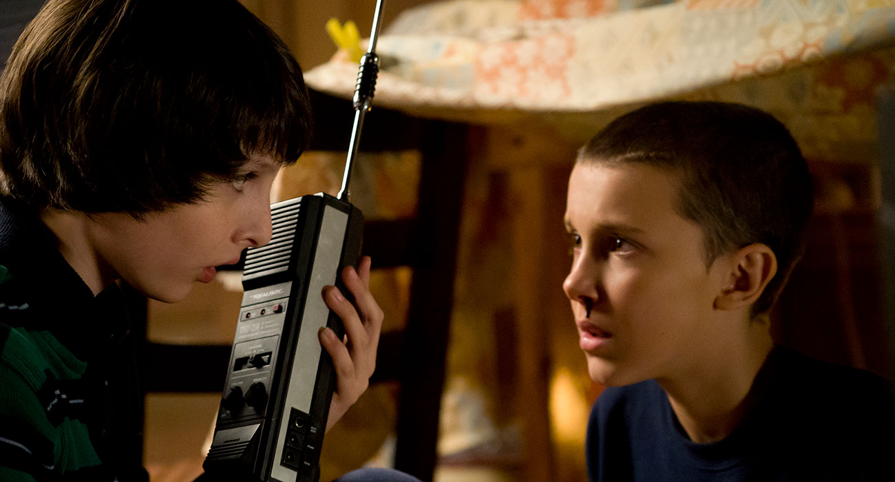 Mike e Eleven in Stranger Things