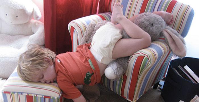 bambini-dormono-ovunque