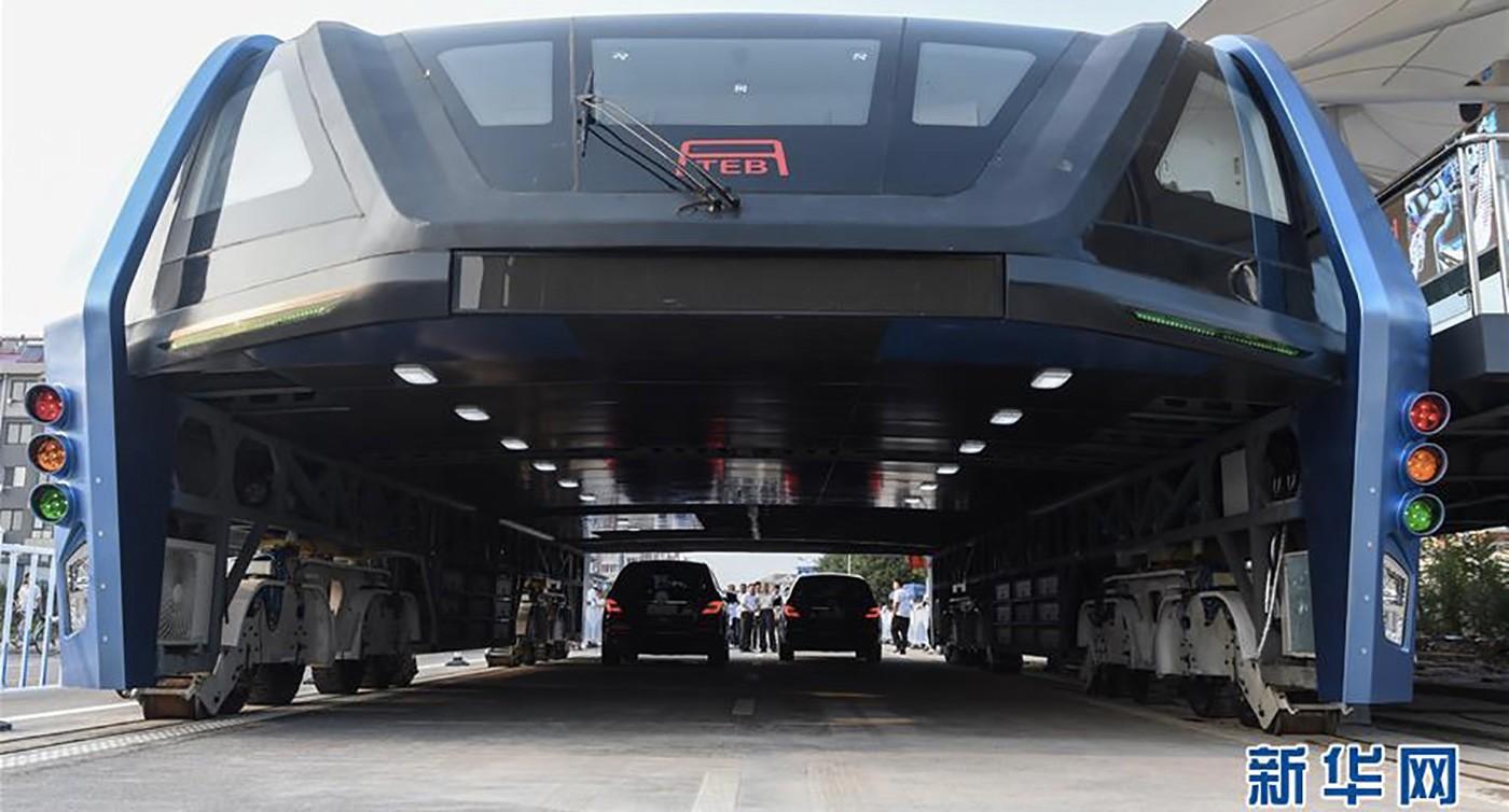 bus-sopralevato-cinese5