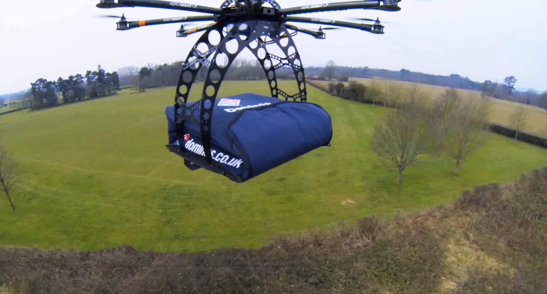 drone consegna pizza