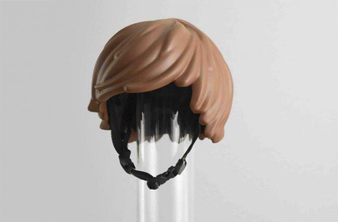 Il casco da bici in stile capelli dell'omino Playmobil è bellissimo