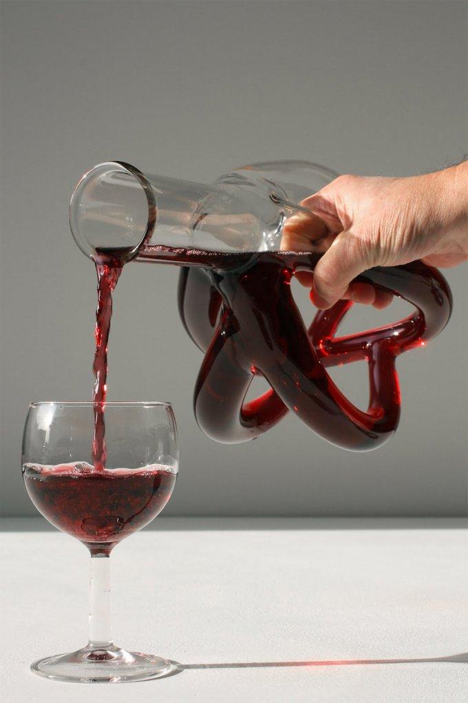Le strane e meravigliose caraffe di vino fatte a mano
