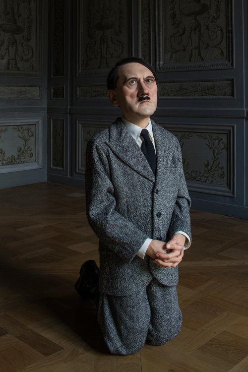 Maurizio Cattelan mostra Parigi