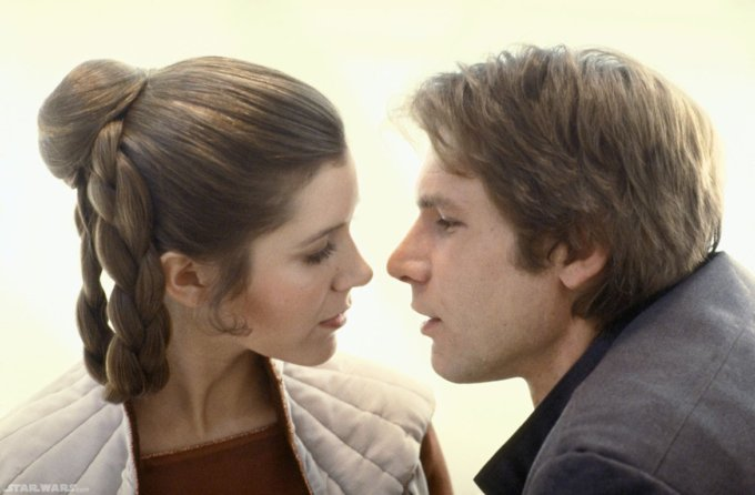 episode_5_princess_leia_han_solo_deleted-kiss1