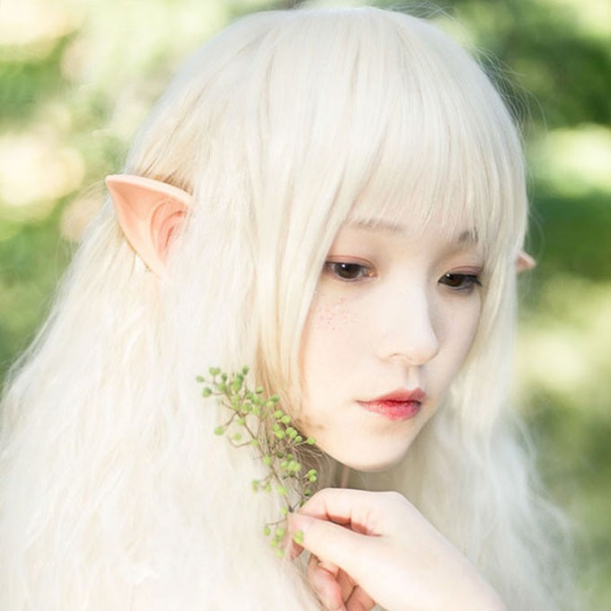 Gli auricolari per diventare elfo mentre ascolti la musica auricolari elfo