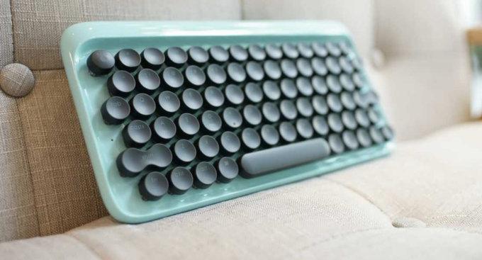 Lofree, la tastiera simile a quella di una macchina da scrivere