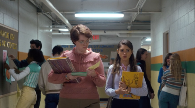 Barb (Shannon Purser) e Nancy (Natalia Dyer)