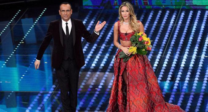 Carlo Conti e Diletta Leotta sul palco dell'Ariston