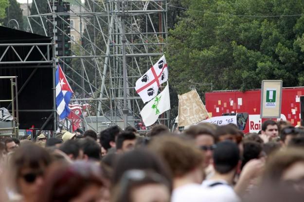 Il concertone del Primo Maggio non parte neppure se non c'è la bandiera sarda