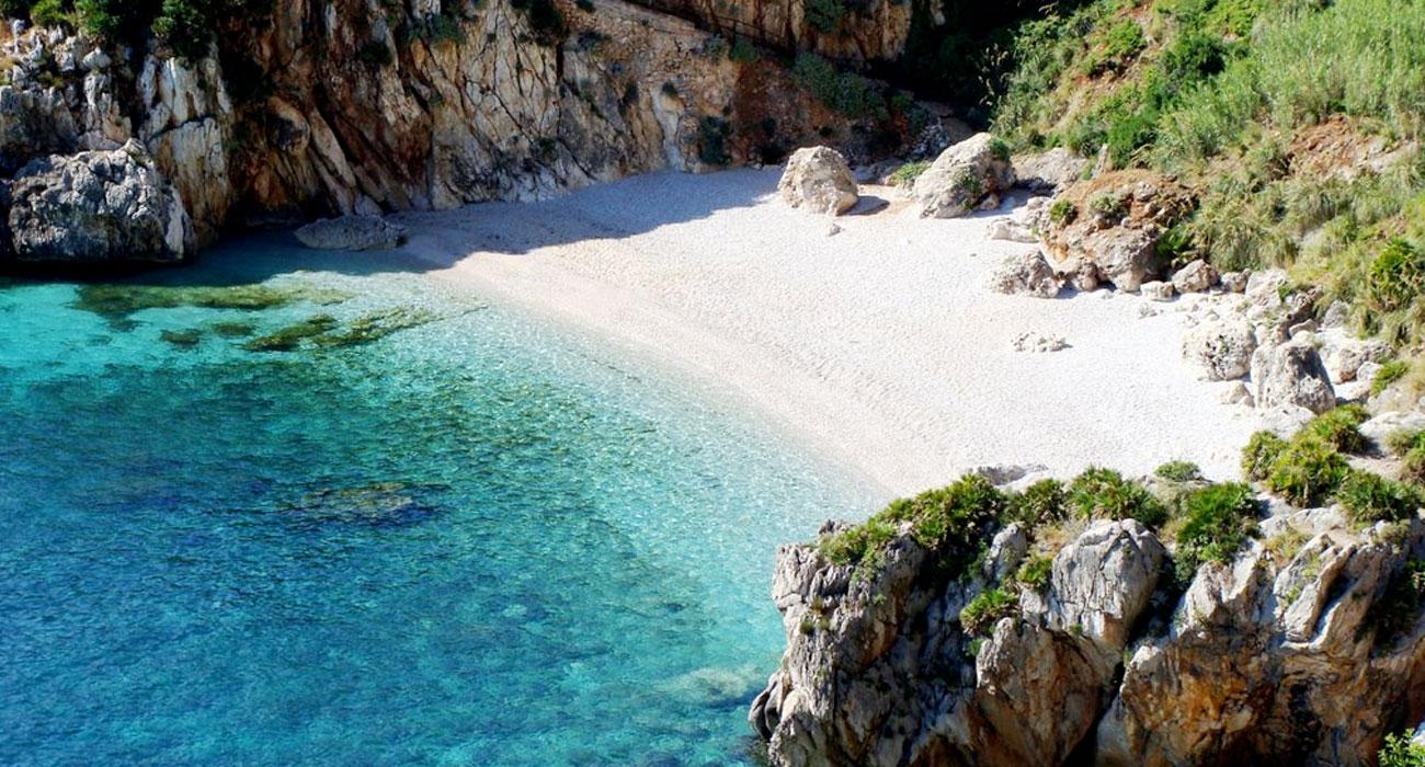 Tonnarella dell'Uzzo in Sicilia è la spiaggia più bella d'Italia