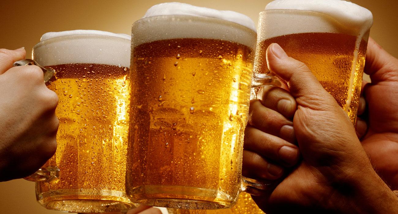 Uno studio rivela: la birra fa passare il mal di testa più del paracetamolo