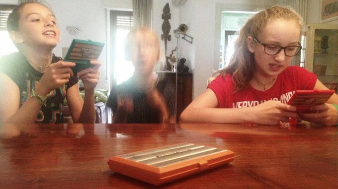 Bambine di oggi si cimentano con giochi di ieri