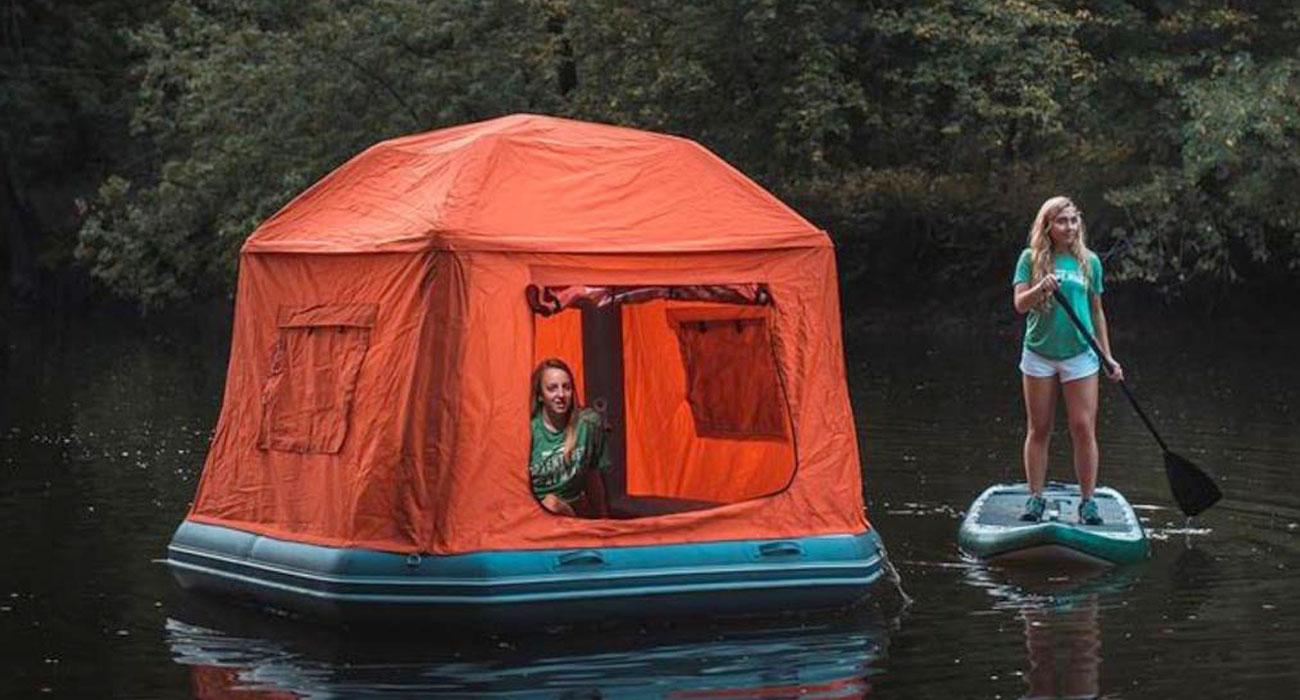 La tenda da campeggio galleggiante, per dormire cullati dalle acque