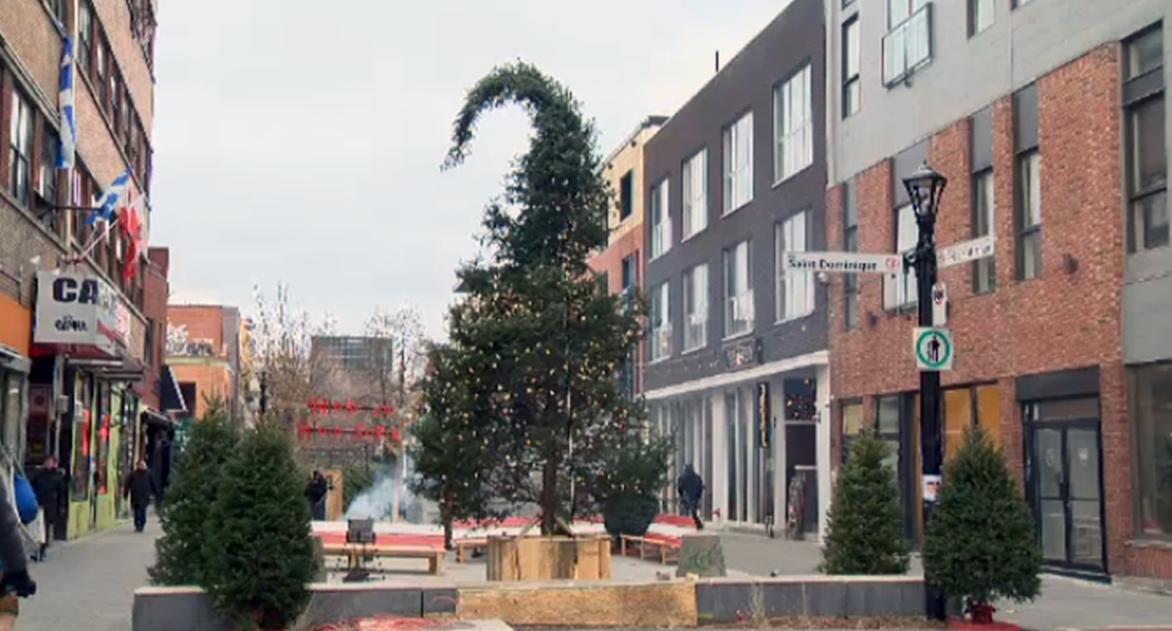 Il più brutto albero di Natale del mondo si trova a Montreal