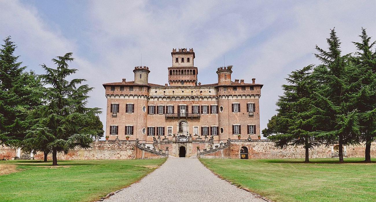 Castello di Chignolo Po, la Versailles lombarda ad un'ora di distanza da Milano
